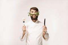 Het embleem van het chef-kok` s menu Het embleem van het veganistrestaurant Symbool van gezond voedsel Stock Afbeeldingen
