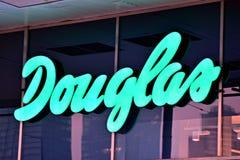Het embleem van het merk Douglas Bedrijfuithangbord Douglas Stock Afbeeldingen