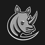 Het embleem vectorillustratie van de rinocerossport Logotypemalplaatje voor mascotteteam Rinoceroshoofd Stock Afbeeldingen