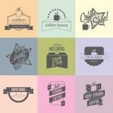 Het embleemideeën van de koffiewinkel voor merk Kan worden gebruikt om adreskaartjes, winkelvensters, affiches, vliegers, enz. te Stock Afbeelding