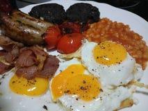 Het Engelse ontbijt diende heet en vers Stock Afbeelding