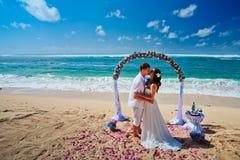 Het enkel Gehuwde paar van het huwelijk stock afbeeldingen