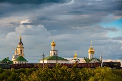 Het ensemble van de bouw van het Kathedraalvierkant in Kolomna het Kremlin Kolomna Rusland Royalty-vrije Stock Fotografie