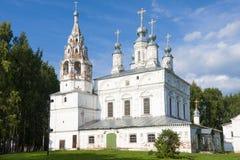 Het ensemble van de Transfiguratie en Sretensky-Transfiguratiekerk 17de eeuw in Velikyi Ustyug, Rusland royalty-vrije stock foto's