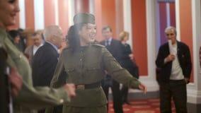Het ensemble van Russisch volkslied zong liederen van de oorlogsjaren stock video