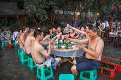 Het eten in stroom bij Oude Stad Stock Afbeelding