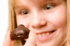 Het eten van chocoladesuikergoed Royalty-vrije Stock Foto