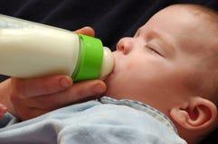 Het eten van de baby. Royalty-vrije Stock Foto