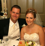 Het eten van de bruid en van de bruidegom Stock Afbeeldingen