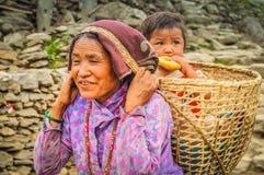 Het eten van kind in Nepal Royalty-vrije Stock Foto's