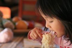 Het eten van kinderen Stock Foto