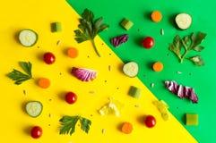 Het eten van patroon met ruwe ingrediënten van salade, slabladeren, Cu Royalty-vrije Stock Foto