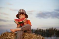 Het eten van sappige watermeloen Royalty-vrije Stock Afbeelding