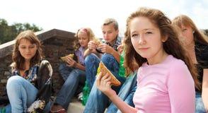 Het eten van tienerjaren Royalty-vrije Stock Foto