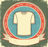 Het etiket van kleren dat op uitstekend oud document wordt geplaatst. Stock Fotografie