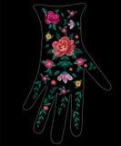 Het etnische bloemenpatroon van de borduurwerktendens op handschoenontwerp Royalty-vrije Stock Afbeelding
