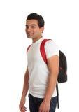 Het etnische mannelijke student glimlachen stock foto