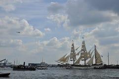 Het Europa lange schip op de Ij-rivier Stock Fotografie
