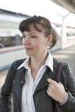 Het Europese meisje en de trein Royalty-vrije Stock Fotografie