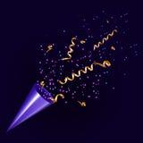 Het exploderen partijpopcornpan met confettien en wimpel Stock Afbeelding