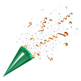 Het exploderen partijpopcornpan met confettien en wimpel op wit Stock Foto's