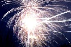 Het exploderen van het vuurwerk Royalty-vrije Stock Fotografie