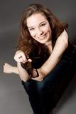 Het extravagante jonge vrouw glimlachen royalty-vrije stock foto
