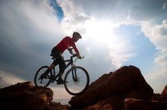 Het extreme biking van de mens Stock Foto's