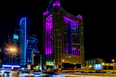 Het Fairmonthotel, Sjeik zayed weg in Doubai Stock Afbeelding