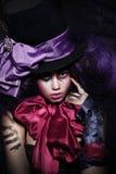 Het fantasievolle Artistieke Vrouwenharlekijn Presteren stock afbeelding