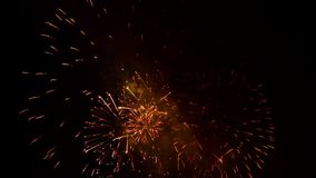 Het fantastische Vuurwerk toont Hoogte in de Hemel stock videobeelden