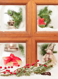 Het feestelijke Venster van Kerstmis Stock Afbeeldingen