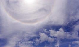 Het fenomeen van de zonhalo stock fotografie