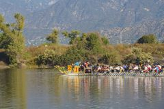 Het festival van de draakboot in Santa Fe Dam Recreation Area stock fotografie
