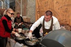 Het Festival van het straatvoedsel in Kyiv, de Oekraïne Stock Fotografie