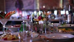 Het fijne dineren in Restaurant stock videobeelden
