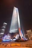 Het Financiële Centrum van de Wereld van Shanghai bij nacht Stock Afbeeldingen
