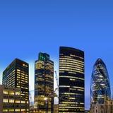 Het financiële district van Londen bij schemering Stock Fotografie