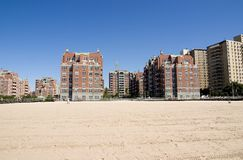 Het flatgebouw met koopflats van de luxe Royalty-vrije Stock Afbeelding