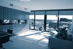 Het Flatgebouw met koopflats van Hghrise van de luxe royalty-vrije stock afbeeldingen
