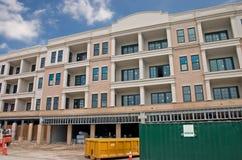 Het flatgebouw met koopflatsbouw van de luxe Royalty-vrije Stock Foto