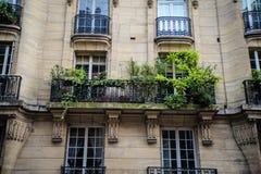 Het flatgebouw van Parijs Stock Afbeeldingen
