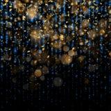Het fonkelen gouden magische het gloeien van het stof Gouden Kerstmis en Nieuwjaar schitterende sterren op donkerblauwe bokehacht royalty-vrije illustratie