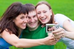 Het fotograferen van mensen van zich Stock Foto