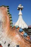 Het fragment van het de vormdak van de draak van Casa Batllo door Antoni Gaudi. Royalty-vrije Stock Foto's