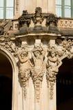 Het fragment van Wallpavilion met satyrs cijfers in Zwinger Stock Afbeelding