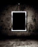 Het frame van de foto op grungemuur Stock Foto's