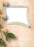 Het frame van Grunge voor foto met rozen Stock Afbeeldingen