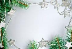 Het frame van Kerstmis van tak en sterren Stock Afbeelding