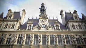 Het Frans en de EU markeren het golven boven op Hotel DE Ville stadsbeleid in Parijs stock videobeelden